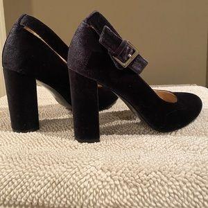Navy Velvet Heel Nine West, Size 8